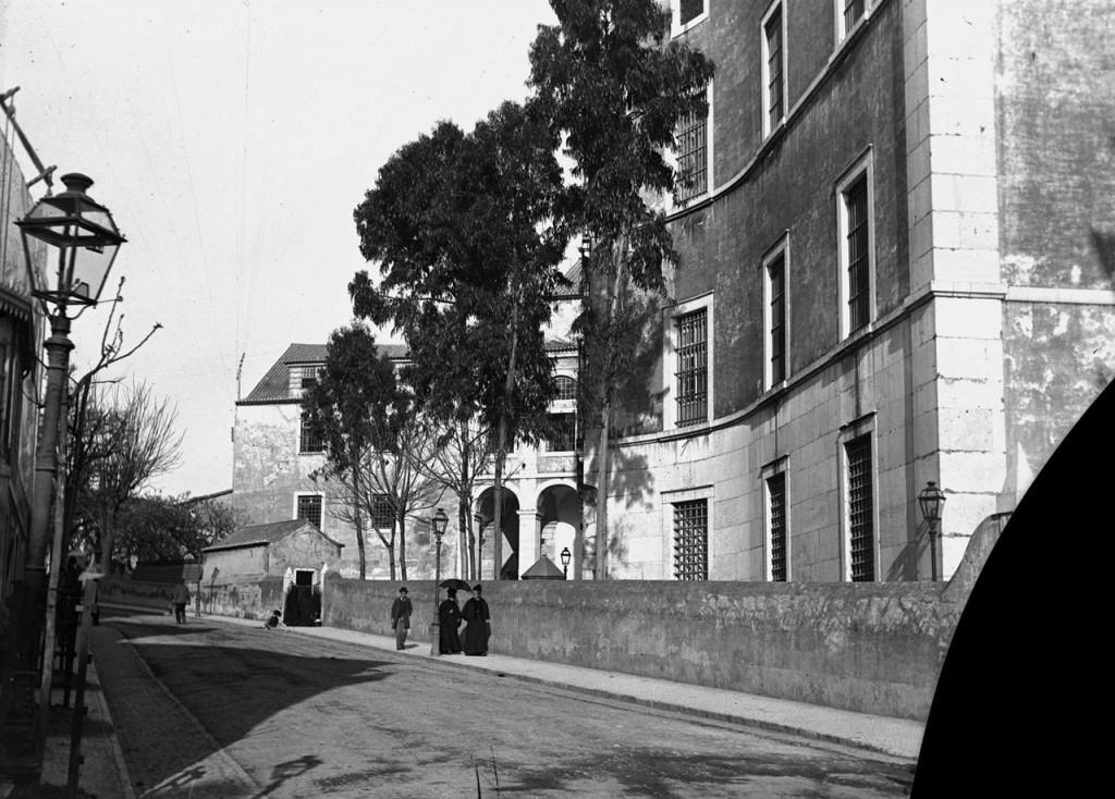 здание тюрьмы Лимоэйру, где Алвеш содержался до дня казни