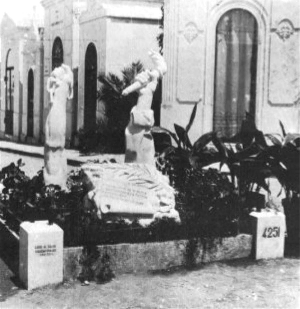 памятник Алфреду Коште и Мануэла Буисы