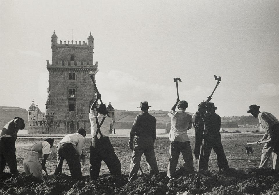 посадка сада у Белемской башни. 1957 год. Gérard Castello-Lopes